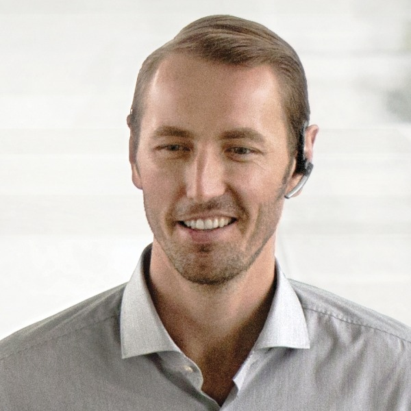 Plantronics Voyager Legend CS Cordless Headset in use (7)